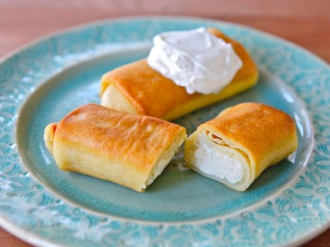 Ratners-Cheese-Blintzes-1-640x480